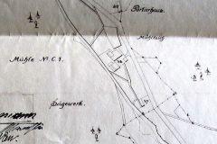 Část plánu ,na němž je vidět soustava náhonů a odtokových koryt v případě vyšší vody. Před mlýnem stála dřevěná pila(zde pod číslem 37). Nad mlýnem mlýnský rybníček. Plánek je z roku 1916.