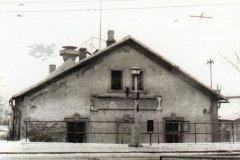 Pohled na budovy ze severu od zastávky tramvaje Stadionu v Žižkově ulici